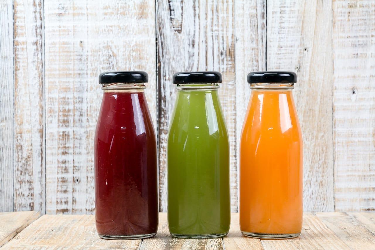 大人用の果汁100%や野菜のジュース