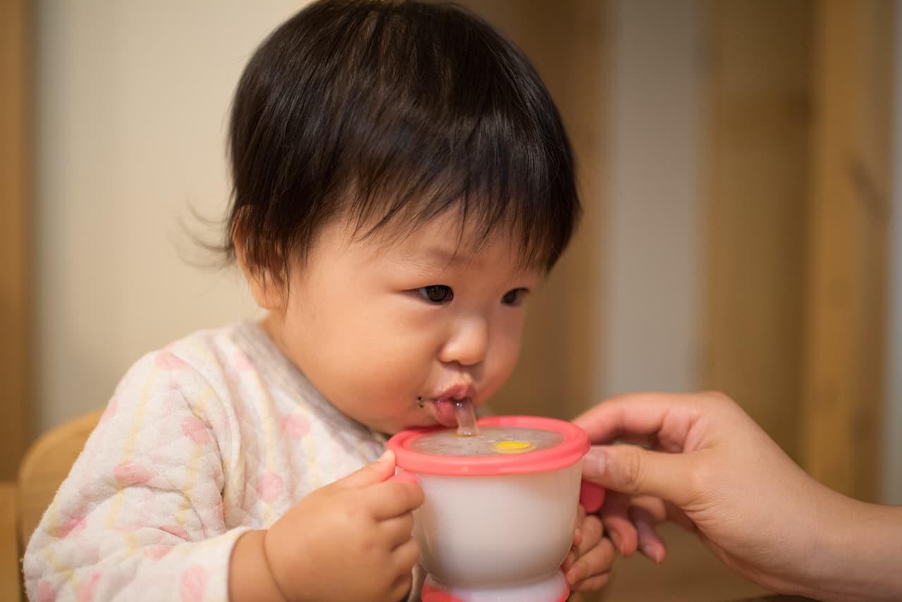 赤ちゃんが飲んでもいい飲み物の種類