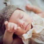 赤ちゃんの目やにの原因とは?目やにを上手に取るコツもご紹介