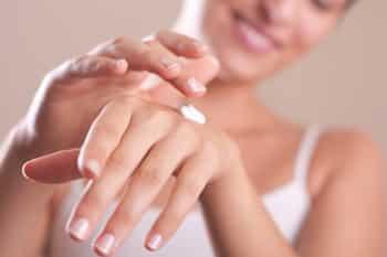 潤う手を作る、オススメ対策方法